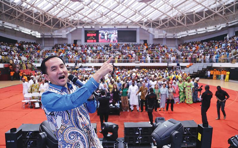 انجی هایناتا , شرکت کنندگان