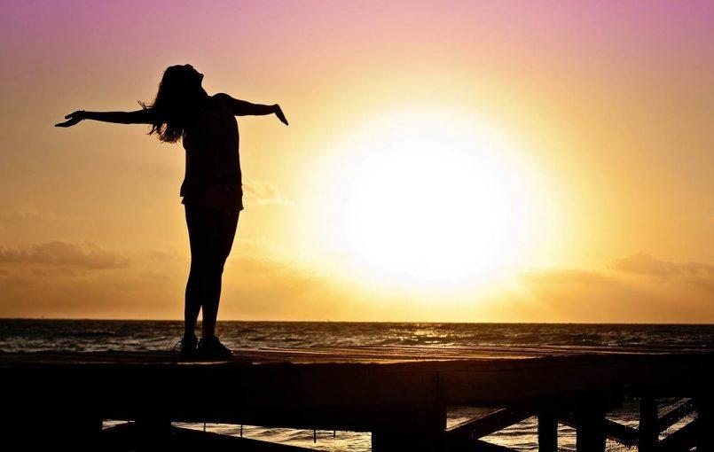 موفقیت در فروش مستقيم: ۵ راهنمایی برای افزایش اعتماد به نفس خود جرالدین آکینو بیش از ۲۰ سال تجربه در تمام زمینه های فروش مستقیم، از زمینه نماینده تا زمینه اجرایی شرکت ها دارد. او شهرت خود را با مربیگری و توسعه و پیشرفت رهبران جهت واقعیت بخشیدن به اهداف و رویاهای خود بوجود آورده […]